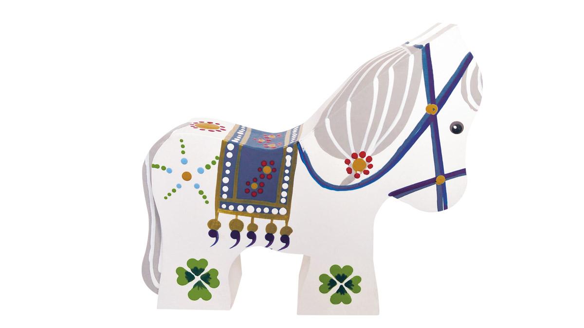 Hest i hvid med kløver